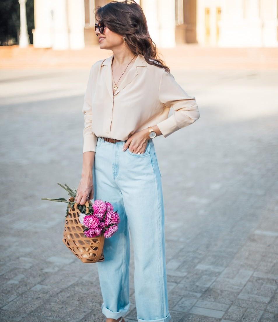 phối đồ thanh lịch cùng áo sowmi và quần jeans