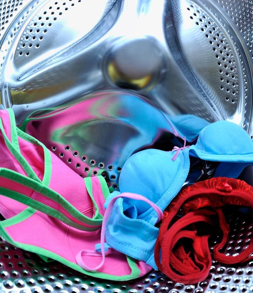 Giặt quần lót bằng máy giặt gây viêm âm đạo