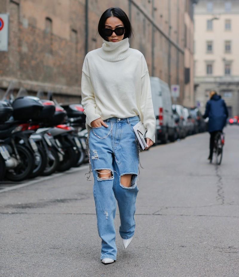 Áo cổ lọ đơn giản mà sành điệu cho thời trang ngày lạnh