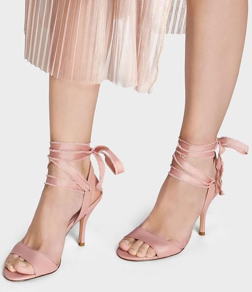 Giày cao gót Ankle strap sandal đầy nữ tính cho dịp Tết