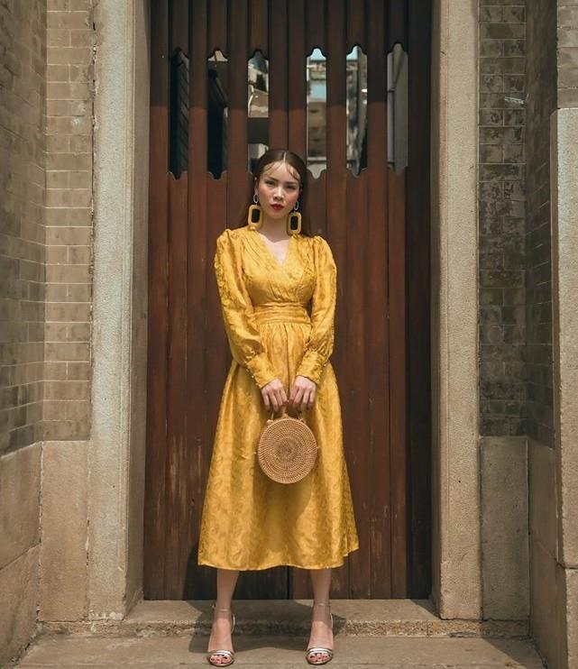 Màu vàng là gam màu trang phục hợp mệnh Thổ