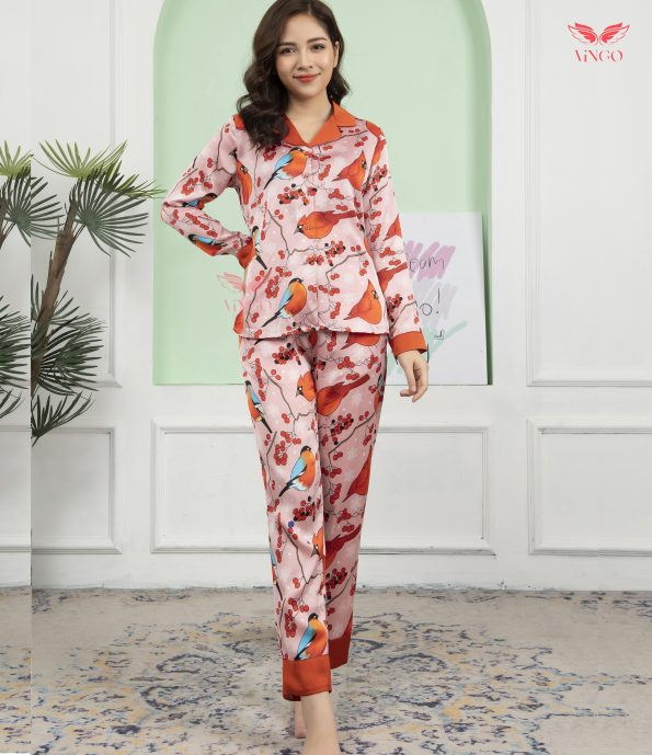 Mặc đẹp ngày Tết với pijama họa tiết chim én
